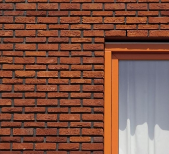 Кирпич ручной формовки Vogelensangh Steenfabriek Antigoon orange with hints of medium red