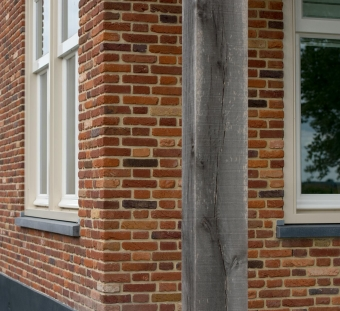 Кирпич ручной формовки Heritage antique with hints of orange and red Vogelensangh Steenfabriek